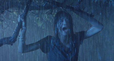 Aura, screaming in the rain