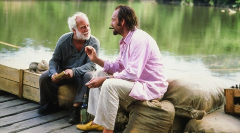Richard Dreyfuss and Hugo Weaving in The Old Man Who Read Love Stories